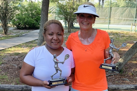 Womens-4.0-Singles-Winner-and-Finalist-Shanel-Angala-Irene-Nasworthy