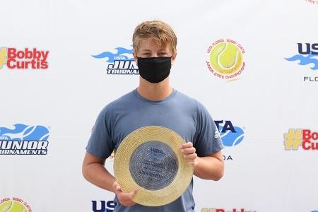 Boys' 16s Champion: Justin Lyons