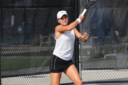 Girls' 18s Winner: Charlotte Owensby