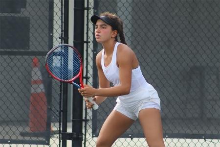 Girls' 16s Winner: Yanire Marte Gonzalez