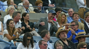 WILLIAMS_ROBIN_DIED_11_AUG_2014_DUSTIN_HOFFMAN_CHEVY_CHASE_2007_US_OPEN_ART_SEITZ